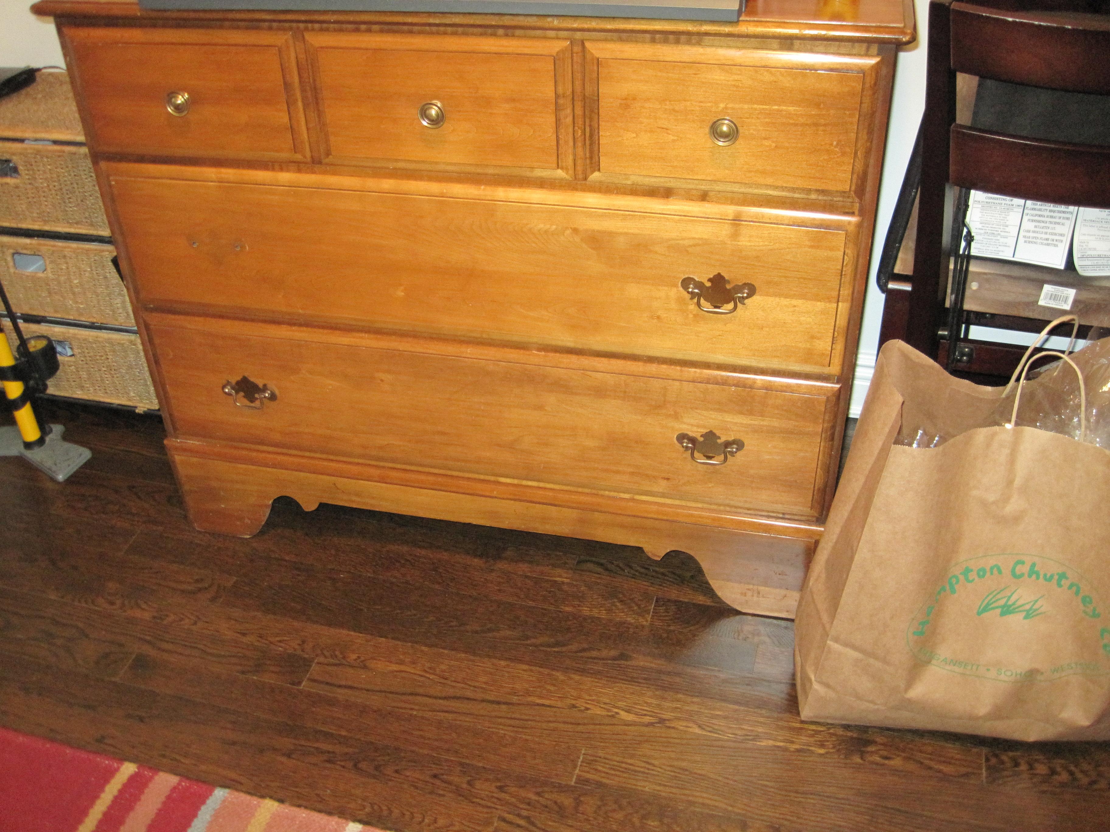 ugly dresser makeover diy project hip mommies. Black Bedroom Furniture Sets. Home Design Ideas